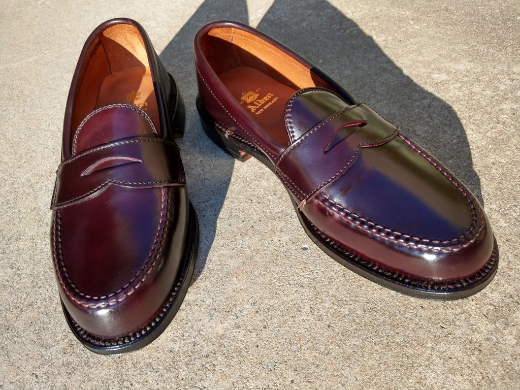 Alden color 8 cordovan U-tip Loafer Van last